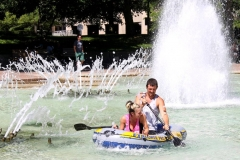 2015/08/01: Paddling around in a downtown fountain
