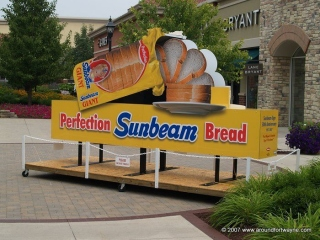 Where in the world is the Sunbeam Bread sign?