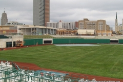 2009/04/03: Outfield wall